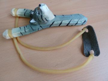 LANCE PIERRE BOIS Sculpté -Sculpture animale CHAT Sauvage